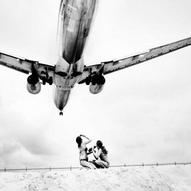 Austrian Photographer Josef Hoflehners Jet Airliner Black